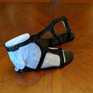 Dress sandals flat